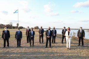 El Presidente encabezó la firma del Acuerdo Federal de la Hidrovía Paraguay-Paraná