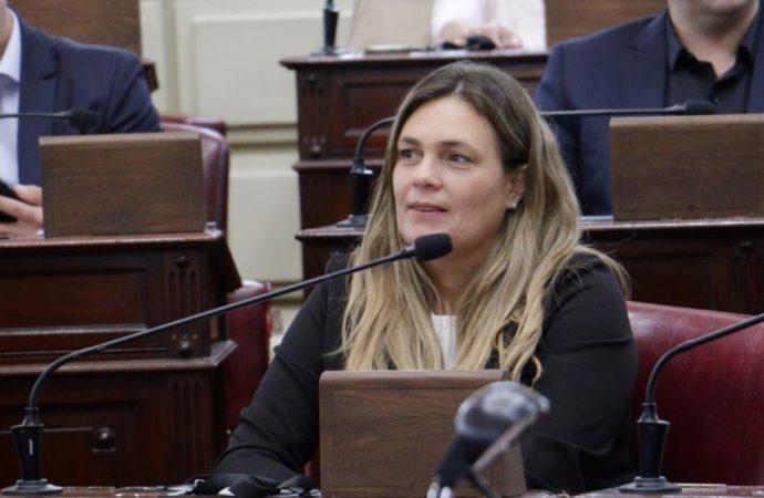 """Silvana Di Stefano: """"La educación nunca fue una prioridad para el gobierno de la provincia"""""""