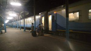 Crónica de un viaje en tren entre Rosario y Buenos Aires