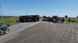 Volcó un camión cerealero en la Ruta S-26