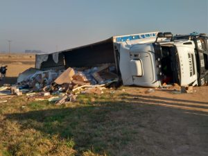 Volcó un camión con lacteos en la Autopista Rosario-Córdoba, no hubo heridos