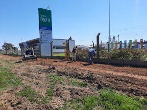 Carcarañá: Se iniciaron los trabajos de preparación del suelo para la bicisenda del área industrial