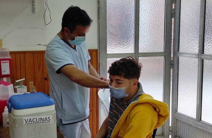 Vacuna Covid: En San Jerónimo comenzaron a aplicar segundas dosis a menores